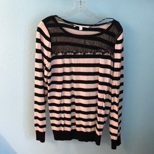 Beige and black stripped sweater with black lace